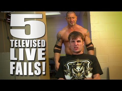 5 Live Wwe Tv Fails - 5 Things video
