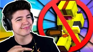 STOPPING A FLY HACKER! | Minecraft SOLO SKYWARS with PrestonPlayz