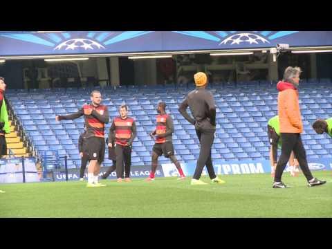 Didier Drogba & Roberto Mancini pre chelsea vs Galatasaray