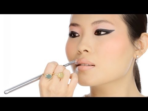 Graphic Liner for All Eye Shapes - Editorial Look Makeup Tutorial