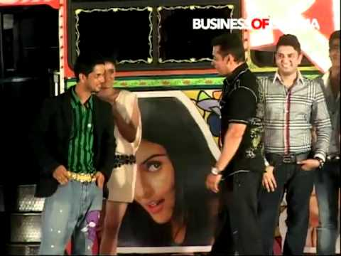 Salman Khan Does The Dhinka Chika Dance At Ready Music Launch video