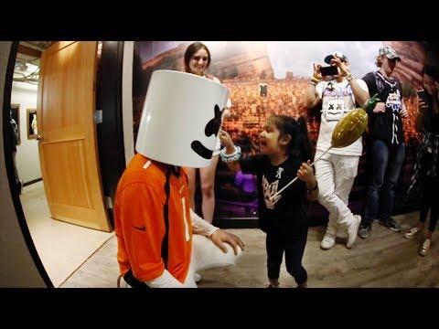 download lagu Marshmello Makes A New Friend At Red Rocks gratis