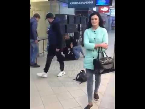 В Ростове охранник оседлал женщину в супермаркете