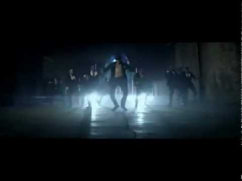 Chris Brown - Turn Up The Music Ft . Rihanna ( Video Clip )