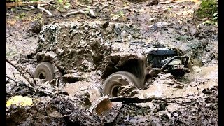 RC Jeep Wrangler in Hard Mud Axial scx10 ii 2017