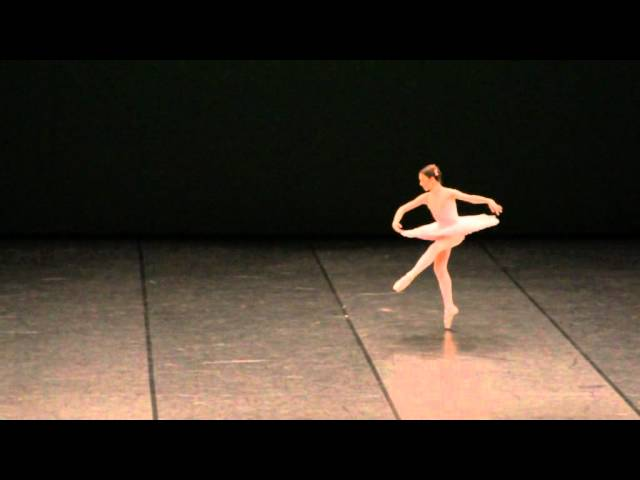 Margarida Trigueiros in a Paquita variation