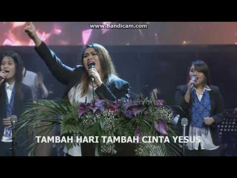 Graha Bethany Nginden - Medley YESUS NAMA ITU PIKAT HATIKU, TAMBAH CINTA YESUS, KESUKAAN DARI TUHAN