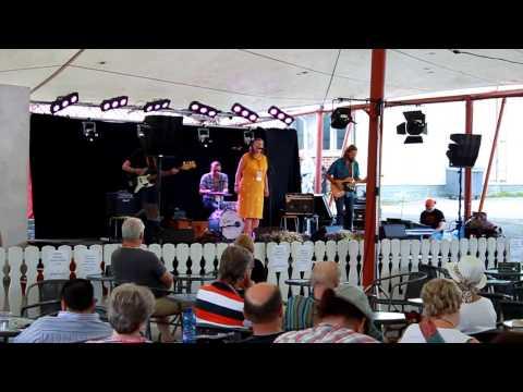 Live at Kaustinen Folk Music Festival, Cafe Mondo, July 2014. Pia Leinonen - vocals Joni Tiala - guitar Janne Ylikorpi - bass Timo Tikkamäki - drums Video shot by Jari Sipilä.