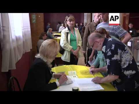 Residents of Slovyansk go to polls on referendum on whether to declare sovereignty
