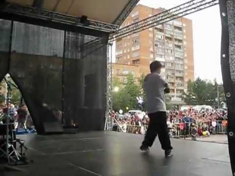 Выступление на дне города Пушкино 2012, C-Walk, Илья