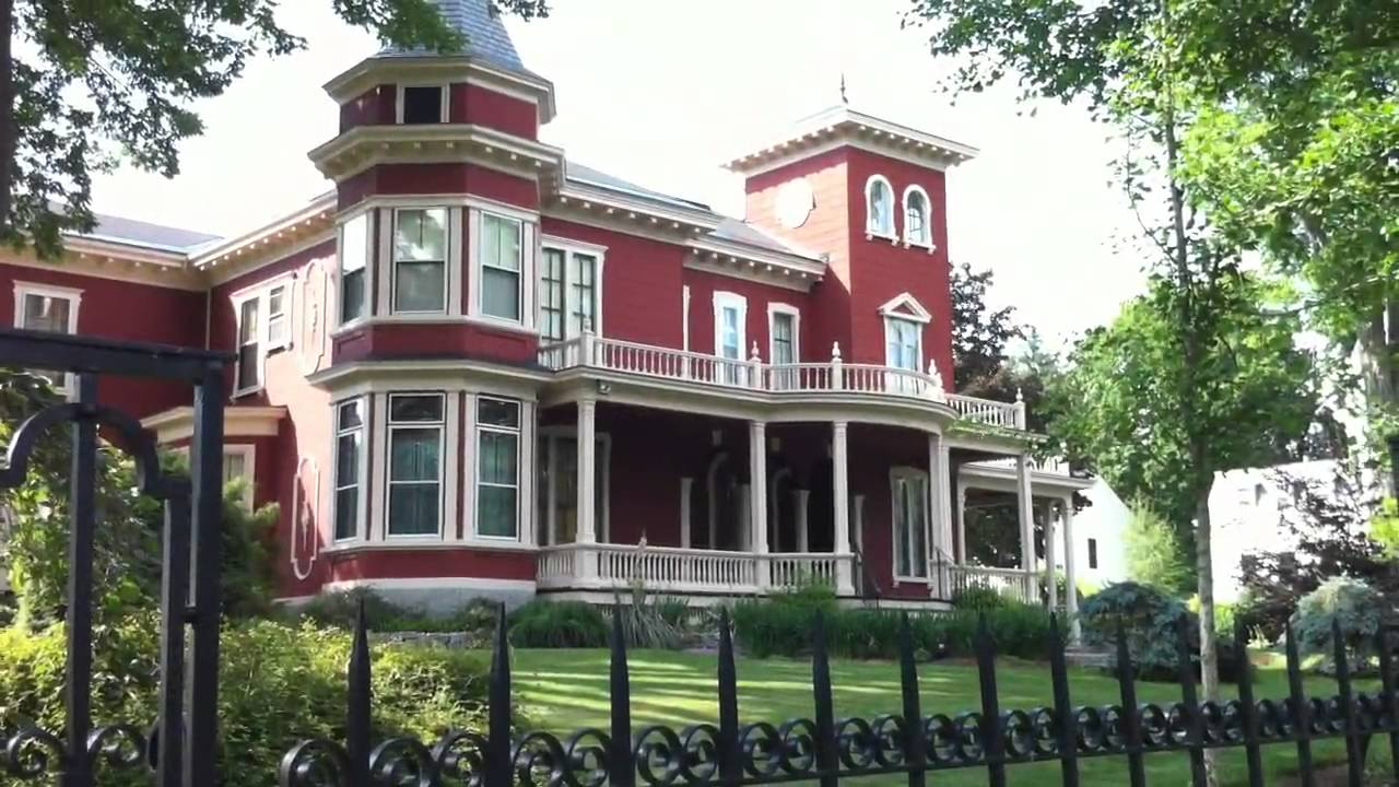Iphone 4 HD video of Stephen King's home in Bangor Maine ...