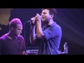 Youtube replay - Pearl Jam Live at The Garden 25 - C...