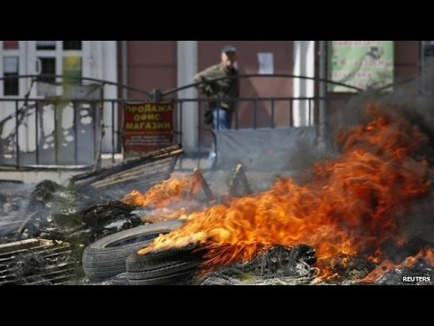 Ukraine crisis: Eastern rebels hold self rule referendums