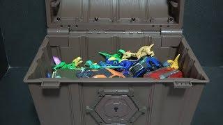 공룡메카드, 장난감 보물상자에서 공룡친구들 꺼내요! Dinosaur Mecard, Get dinosaur out of the toys treasure box!