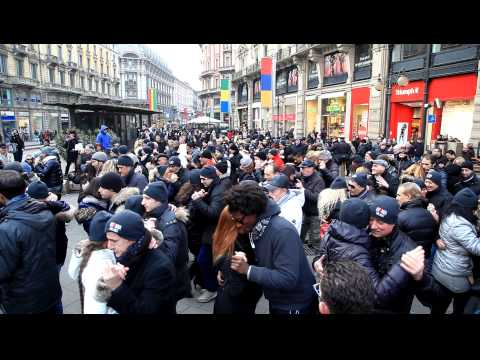 Kizomba Milano by Davide Venturi Flash mob Cordusio 17/02/13