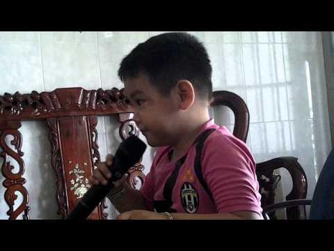 Be Nguyen Huy 3 Tuoi Karaoke Chau Di Mau Giao video