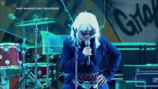 Blondie - D Day (Live at IOW Festival 2010) HD