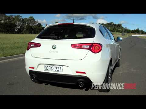 2013 Alfa Romeo Giulietta JTDm engine sound and 0-100km/h