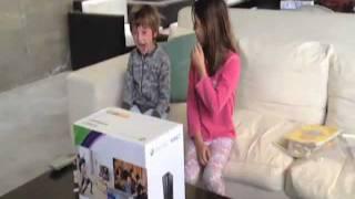 niños reciben xbox