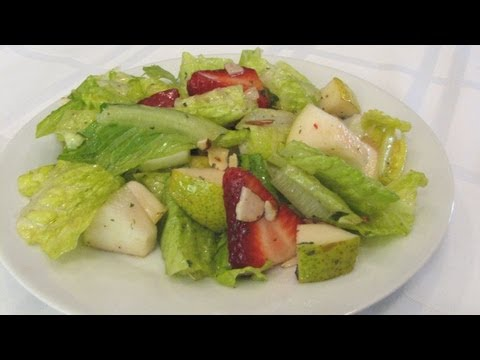 Strawberry Pear Salad - Lynn's Recipes