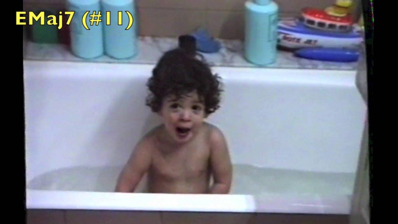 Elragadó videó: egyéves kori gügyögéséhez 30 évvel később írt zenét a férfi