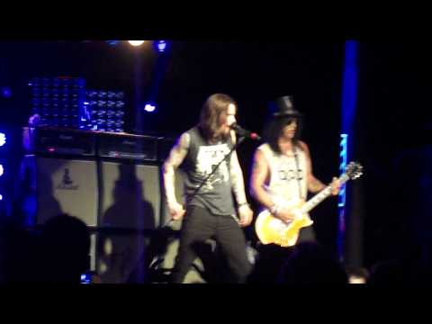 Slash feat. Myles Kennedy - Mr. Brownstone (Portland)
