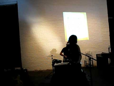 Shilpa Ray - Kid Yellin aka Red Hook Labs 9/26/09 Video
