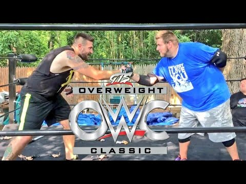 GRIM WRESTLES DUHOP! OFFICIAL GTS OVERWEIGHT CLASSIC WWE FIGURES IN THE RING MATCH!