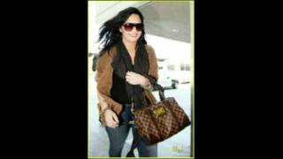 Demi Lovato -April 15,2011 at LAX airport