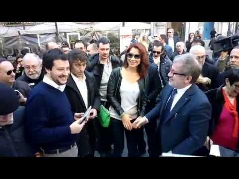 REFERENDUM VIENI A FIRMARE - 28 03 2014 Salvini E Maroni