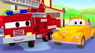 Tom o Caminhão de Reboque e o Caminhão de Bombeiro na Cidade do Carro | Desenhos animados crianças