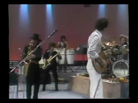 Carlos Santana and Gato Barbieri perform Europa Live in Chicago on February 22, 1977--RARE FOOTAGE