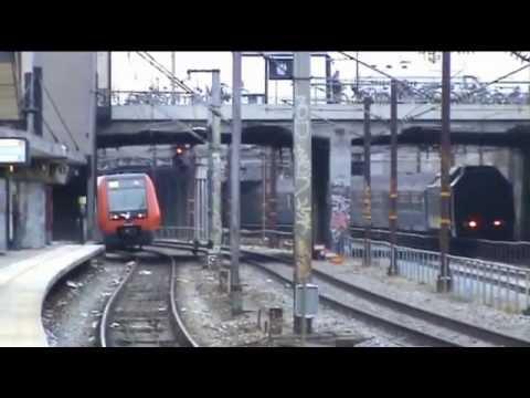 Optagelser af S-tog med/uden reklamer samt alle slags tog (foruden IC4 og ICE-TD) på Enghave station. Bl.a. S-tog, IC3, IR4, dobbeltdækkertog og de gamle blå...