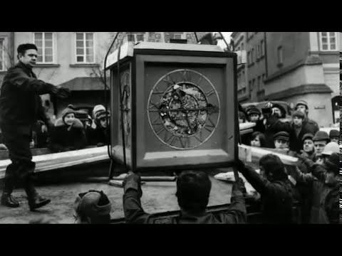 Zniszczenie I Odbudowa Zamku Królewskiego W Warszawie / From Destruction To Reconstruction