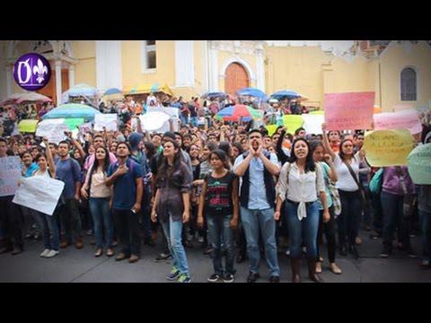 Marchan en Xalapa para exigir cese de represión a estudiantes