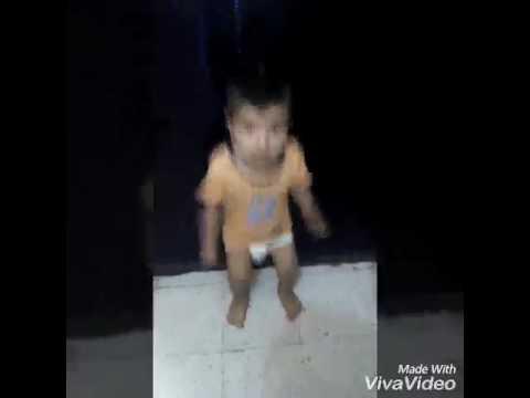 رقص روعة لطفلين صغيرين😨😨 thumbnail