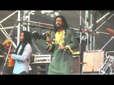 Peter Tosh Live 1979 - Pick Myself Up (never before released 2010)