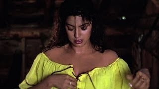 Juhi Chawla's Hottest Video