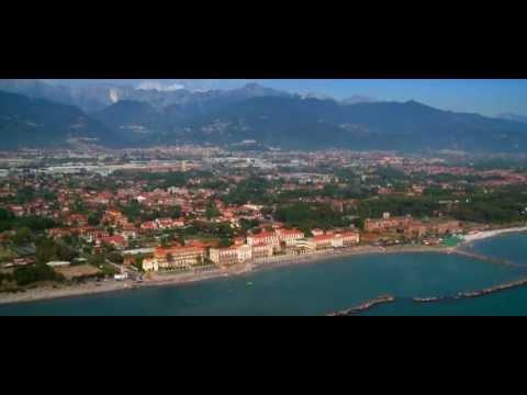 Massa Carrara - The mountain meets the sea - Tuscany Italy (English version)