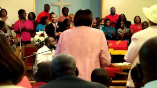 Pine Grove Baptist Church-The World Can't Do Me No Harm (Jesus Got His Arms Wrapped Around Me)