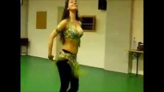 INDIAN PUNJABI SONG-BELLY DANCING....MANDEEP MANDHALI