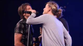 Download Lagu Keith Urban, Sugarland sing Seven Bridges Road by The Eagles Gratis STAFABAND