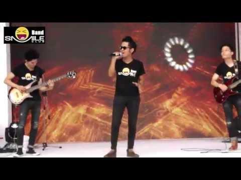 ลูกอม ( cover Live ) Smile Club Band Mini Concert @Siam square one
