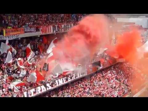 Standard de Liège: tifos Ultras Inferno 2013-2014.