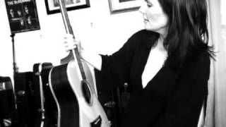 Watch Lori Mckenna Unglamorous video