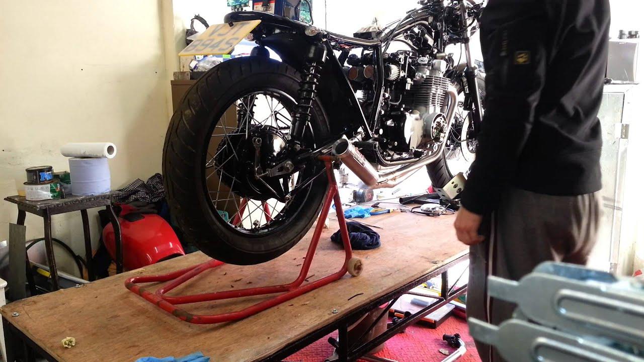 Honda Cb550 Cafe Racer Rebuild Yoshimura Exhaust Youtube