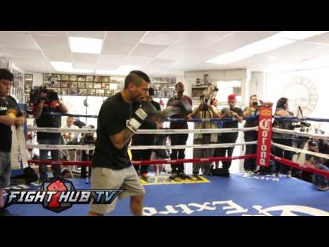 Lucas Matthysse vs John Molina Matthysse media workout video