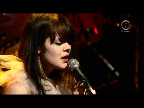 [HD] Bat For Lashes - Prescilla (Live Shepherds Bush Empire 2009)