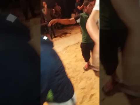 طفل يرقص عن اغاني عراسي thumbnail
