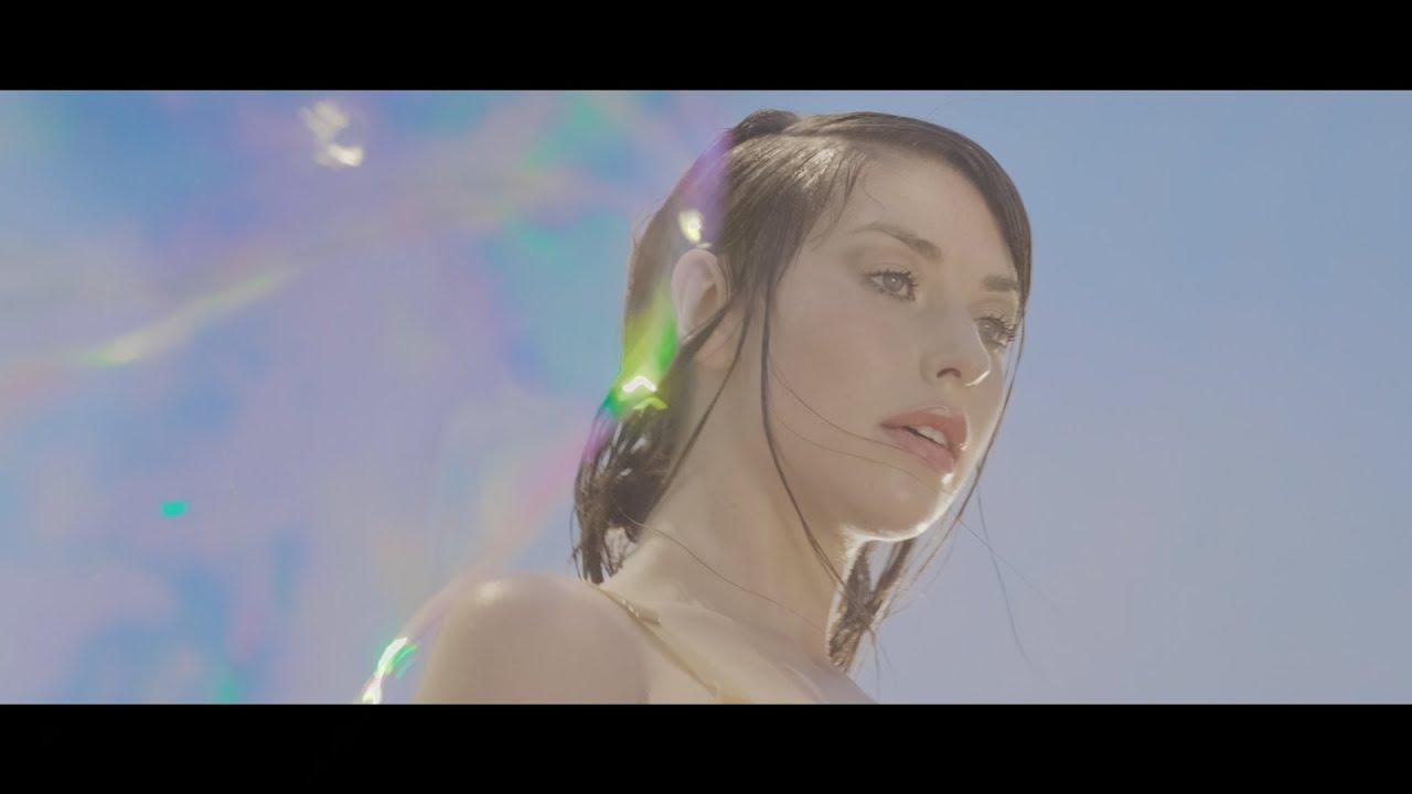 "Kimbra - 新譜シングル""Lightyears (Chris Tabron Mix)""のMVを公開 thm Music info Clip"